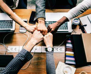 la sophrologie pour renforcer la cohésion d'équipe, favoriser le travail ensemble